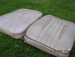 The old Cessna 150 seats